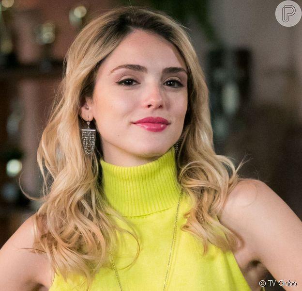 Manu (Isabelle Drummond) vai se desentender com João (Rafael Vitti) e vai ser chamada para fazer uma turnê internacional na  novela 'Verão 90'.