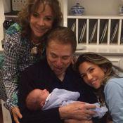 Patricia Abravanel posta foto de Silvio Santos segurando no colo o neto Pedro