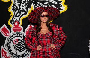 Unha xadrez e body cavado: Sabrina Sato aposta em trend em look de evento
