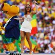 'Por mais que eu me apresente em outros países, cantar no Brasil é sempre muito emocionante e a energia do Maracanã lotado não tem igual!', vibrou Anitta