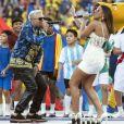 Anitta esbanjou sensualidade durante a apresentação na final da Copa América