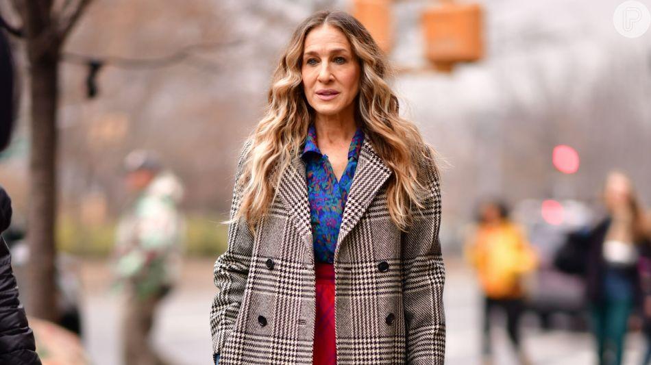 ce2473e8127 Calça reta e casaco: dicas de moda e estilo para mulheres com mais ...