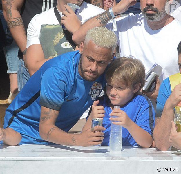 Neymar levou o filho, Davi Lucca, para acompanhar o campeonato 'Neymar Jr's Five' neste sábado, 13 de julho de 2019