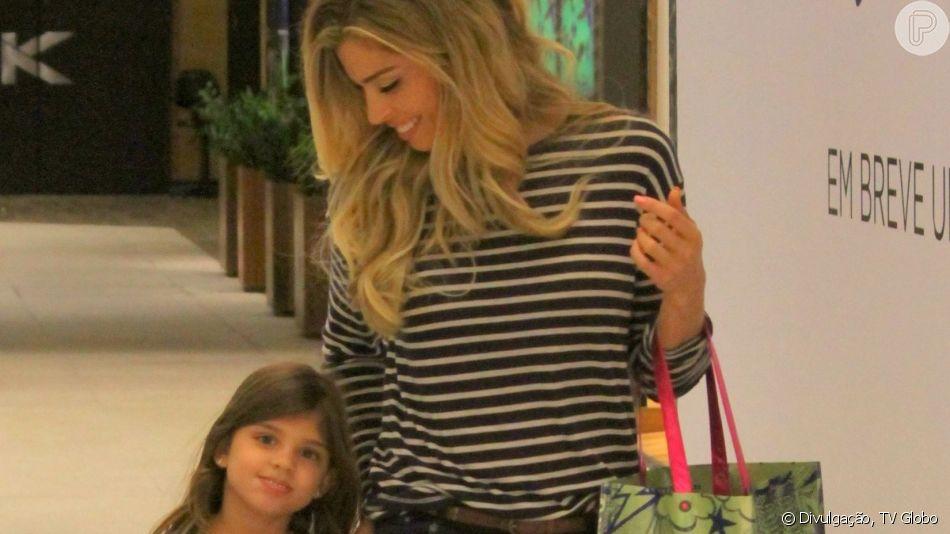 Grazi Massafera relatou cuidado com a filha, Sofia, de 7 anos, após a menina fazer vídeo com o celular