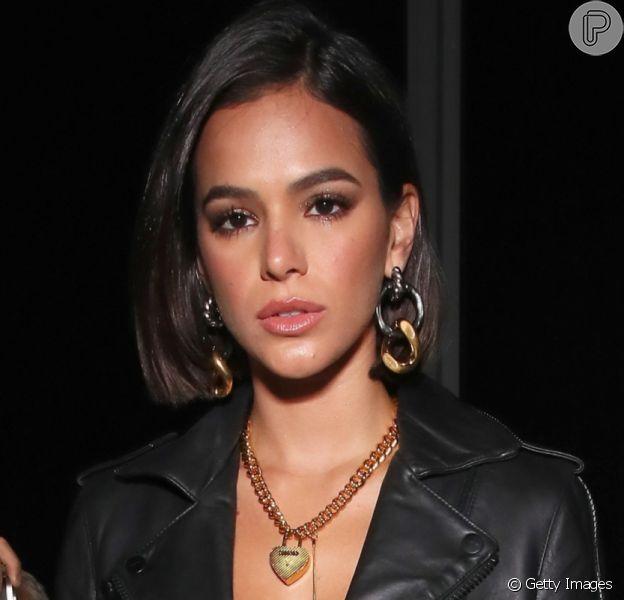 Bruna Marquezine é flagrada deixando restaurante comYounes Bendjima em Los Angeles
