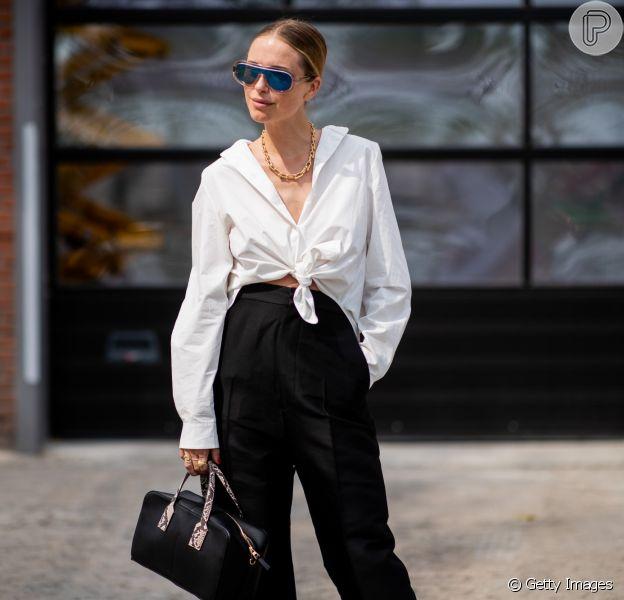 Itens que são tem-que-ter no seu colet: camisa branca + calça preta, duas peças básicas