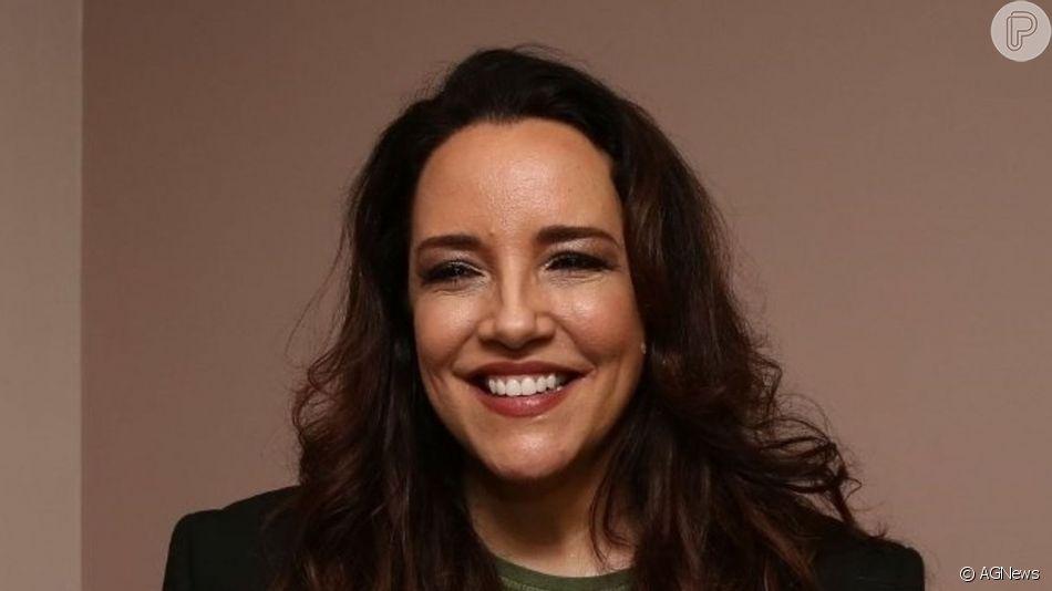 Ana Carolina ganhou selinho de cantora após show em São Paulo neste sábado, 27 de junho de 2019