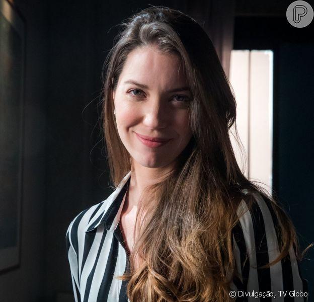 Nos próximos capítulos da novela 'A Dona do Pedaço', Fabiana (Nathalia Dill) assume fábrica de bolos de Maria da Paz (Juliana Paes)