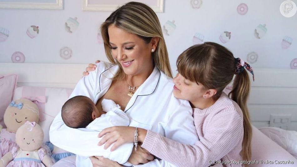 Ticiane Pinheiro  publicou uma foto amamentando a filha caçula, Manuella, nesta quinta-feira, 1 de agosto de 2019