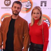 Luiza Valdetaro leva novo namorado, Felipe Abad, em evento no cinema. Fotos!