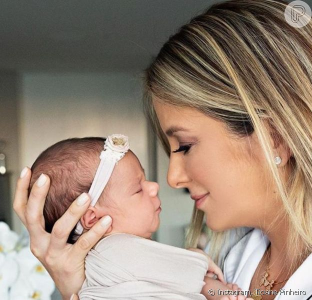 Ticiane Pinheiro comemorou primeiro mêsversário da filha Manuella: 'Vida mudou para muito melhor'