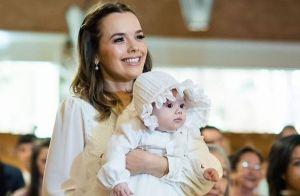 A emoção de Thaeme Mariôto no batizado da filha, Liz. Veja mais de 30 fotos!