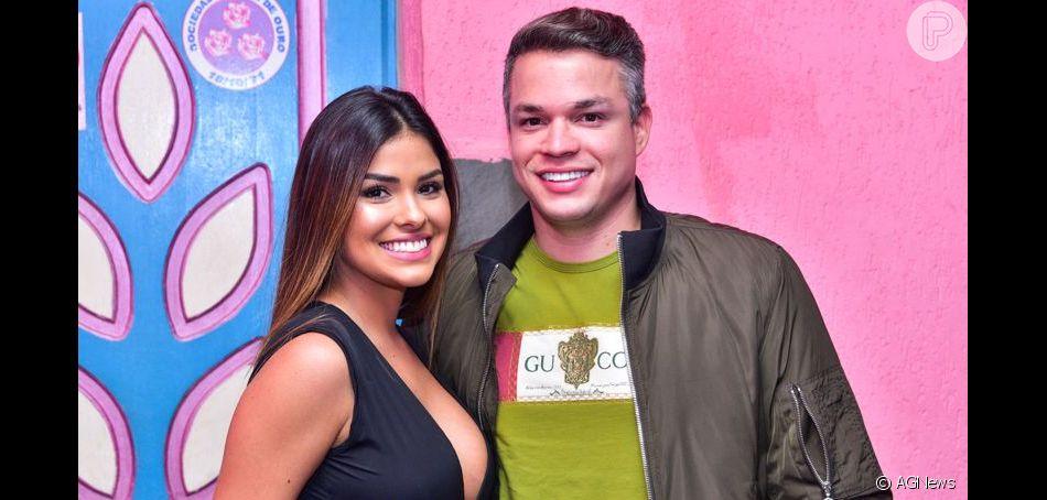 Marido de Munik Nunes mostrou ciúmes da ex-BBB em viagem e postou vídeo na web