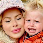 Karina Bacchi relata dificuldade na adaptação escolar do filho: 'Homens choram'