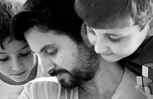 Claudia Leitte mostra o marido com a filha, Bela, no colo: 'Tesouro'. Foto!