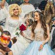 Aniversário de 15 anos de Bela Fernandes, atriz da novela 'As Aventuras de Poliana' reuniu 300 convidados. Festa foi embalada pelo grupo Taberna Folk, a dupla Júlia e Rafaela, Dishark e MC Zaac