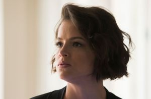 'A Dona do Pedaço': Jô leva surra de Fabiana ao avançar na rival. 'Vou te matar'
