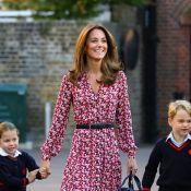 Princesa Charlotte fica envergonhada em 1º dia na escola com irmão e pais. Veja!