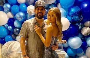 Sertanejo Sorocaba ganha festa surpresa de aniversário da namorada: 'Adorei'