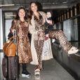Sabrina Sato e Zoe combinam looks com Kika Sato em aeroporto