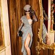 Sabrina Sato com look poderoso para a reinauguração da loja de Dolce & Gabbana, em Milão