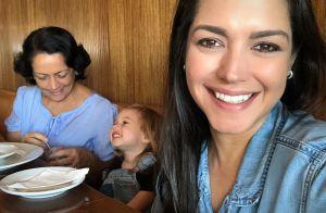 Thais Fersoza fica admirada com postura da filha, Melinda, em brincadeira. Vídeo