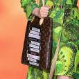 Bolsa retrô: grife Louis Vuitton apostou na estética das fitas VHS para o acessório na PFW 2020