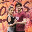 Lucas Veloso pediu Nathalia Melo em namoro ao vivo no programa 'Domingão do Faustão'