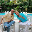 A apresentadora Xuxa foi entrevistada pelo jornalista Maurício Colpas