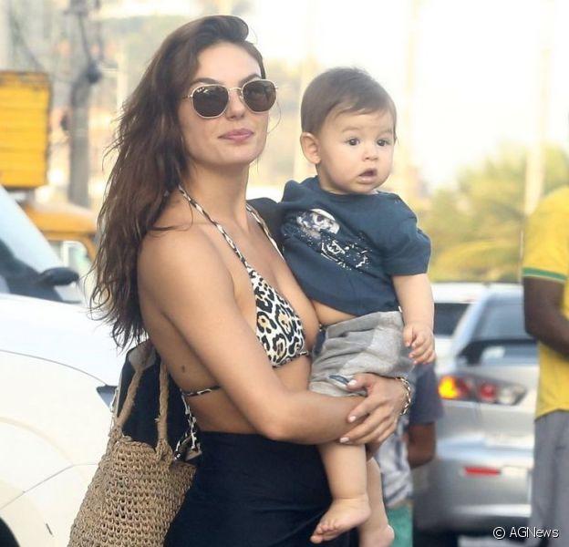 Isis Valverde postou uma foto sua quanto bebê e chamou a atenção por sua semelhança com o filho, Rael