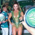 Viviane Araujo caiu no samba no aniversário de 24 anos da Mancha Verde