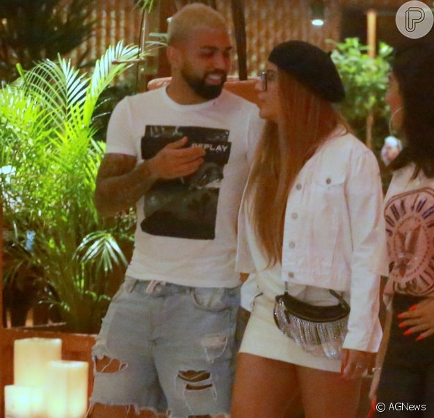 Rafaella Santos e Gabigol foram fotografados em shopping do Rio de Janeiro nesta segunda-feira, 28 de outubro de 2019