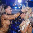Carnaval 2020: Ana Paula Minerato recebeu de Andrea Captulino a coroa de musa da bateria da Acadêmicos do Tatatupé