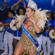 Ana Paula Minerato dançou à frente da bateria da Acadêmicos do Tatuapé ao ser coroada nova musa dos ritmitas da azul e branca