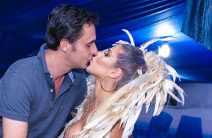Ana Paula Minerato ganha beijo do namorado ao ser coroada musa da Tatuapé. Fotos
