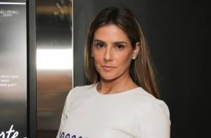 Deborah Secco, de barriga de fora, lança o filme 'Boa Sorte' em São Paulo