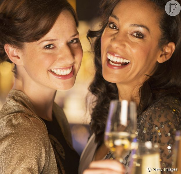 Dieta detox antes da ceia: festas de fim de ano com drinks e refeições sem culpa