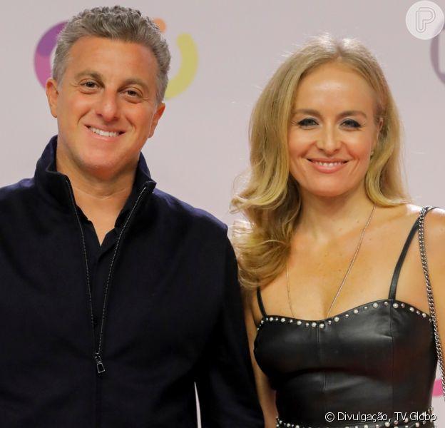 Angélica usa vestido preto decotado e ganha elogio de Luciano Huck em vídeo nesta segunda-feira, dia 25 de novembro de 2019