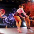 Anitta mostra sensualidade ao dançar stiletto