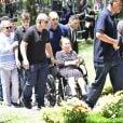 Família de Gugu Liberato é recepcionada com carinho pelo público em enterro do apresentador nesta sexta-feira, dia 29 de novembro de 2019