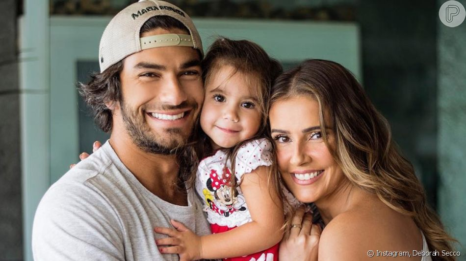 Filha de Deborah Secco e Hugo Moura, Maria Flor, de quase 4 anos, dividiu opiniões ao ter foto postada pelo pai: 'Sua cara' e 'cara da mãe'