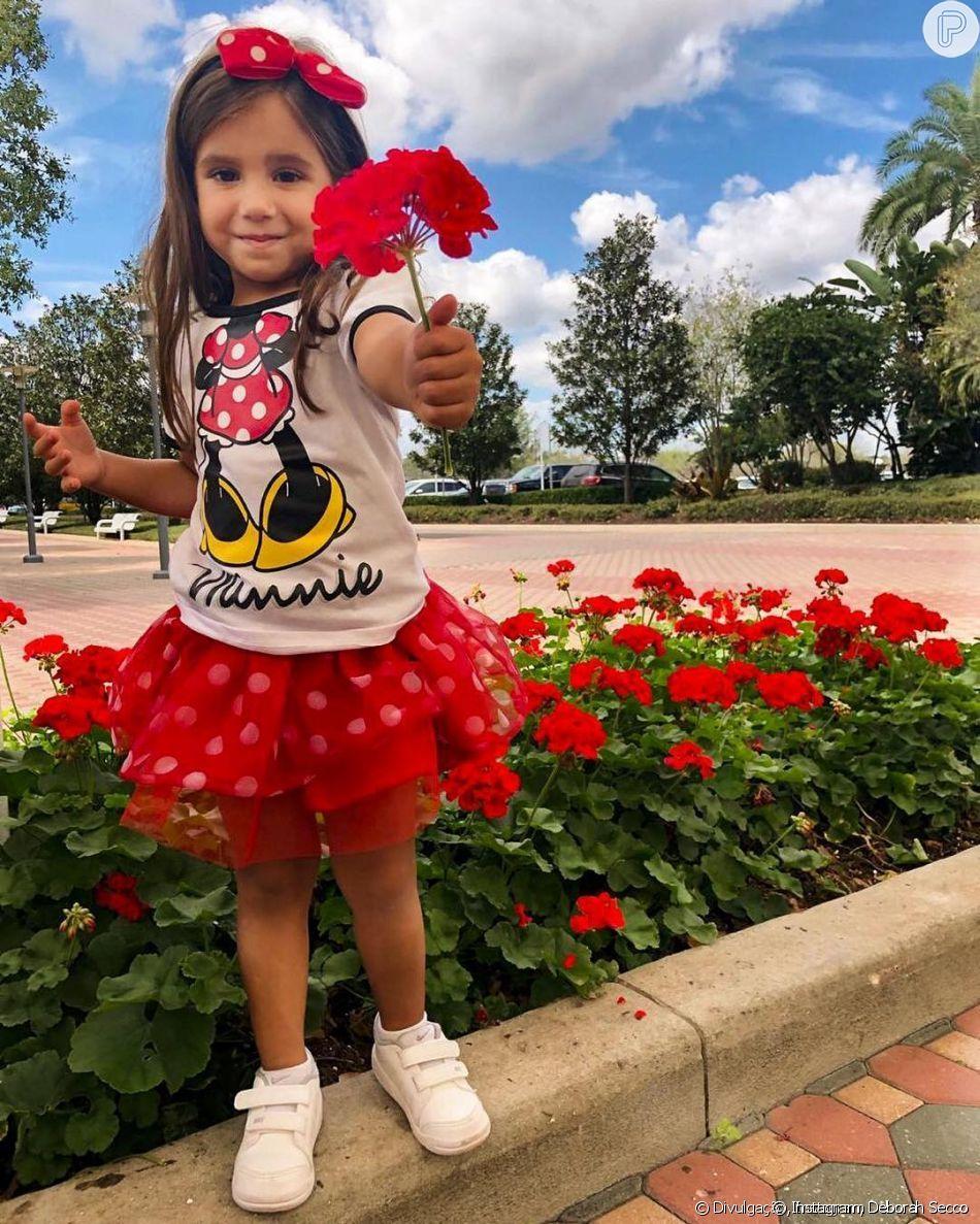 Filha de Deborah Secco e Hugo Moura dividiu opiniões ao ter foto postada pelo pai