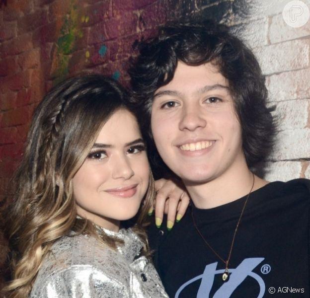 Maisa Silva, acompanhada do namorado, tietou Fausto Silva ao conhecer o apresentador: 'Essa fera, meu'