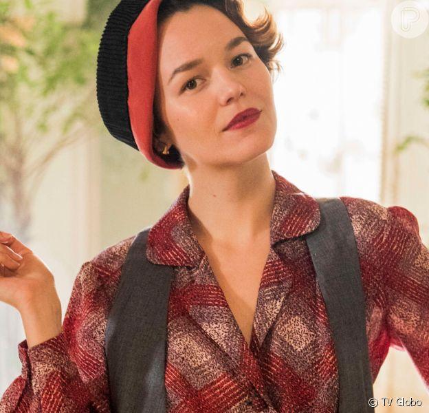 Adelaide (Joana de Verona) mexerá com o coração de Alfredo (Nicolas Prattes) e deixará o rapaz encantado na novela 'Éramos Seis'
