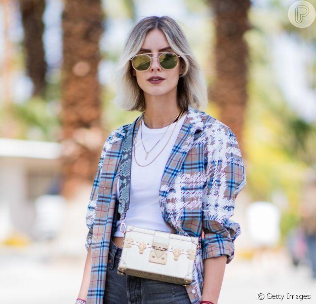 Moda no verão 2020: regata branca com calça, short jeans e macacão em 10 looks poderosos que vão te inspirar na estação. Confira!
