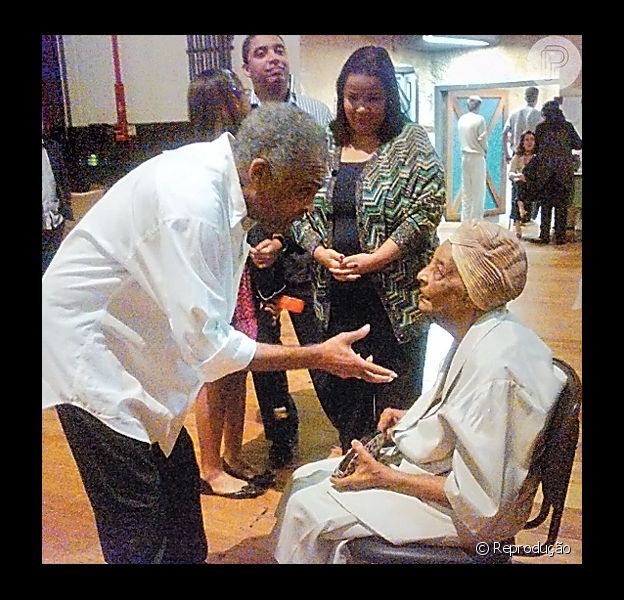 Dona Claudina, mãe do músico Gilberto Gil, morreu neste sábado, 23 de fevereiro de 2013