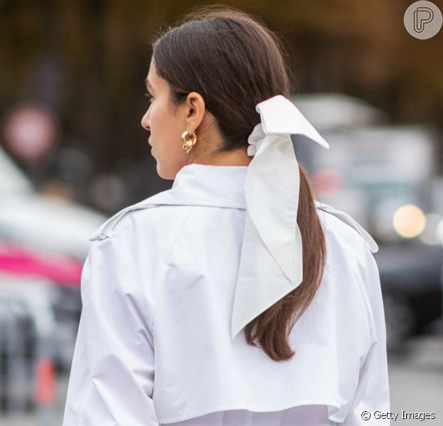 Inspire-se nas ideias de penteados com lenço para o Réveillon!