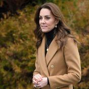 Inspiração fashion real: Kate Middleton usa casaco 'gêmeo' ao de Meghan Markle