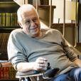 No último capítulo da novela 'Bom Sucesso', Alberto (Antonio Fagundes) ganhou homenagem da família após ser cremado. Suas cinzas foram depositadas em um vaso e o objeto colocado na biblioteca juntos aos livros