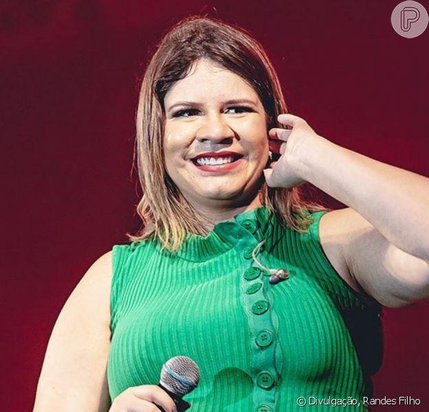 Marilia Mendonça faz antes e depois de tratamento contra acne